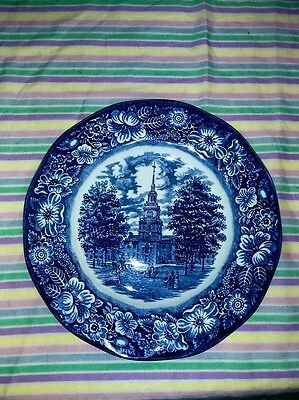 Assiette porcelaine Staffordshire England Liberty Blue Independence Hall 25,4cm