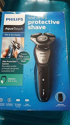Philips AquaTouch S5420/06, Wet And Dry Mens Electric Shaver With SmartClick