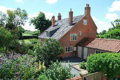5 bedroom property 1.8 acres large outbuildings & paddock in Suffolk / Norfolk