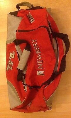 Newbury  Wheelie Cricket Bag