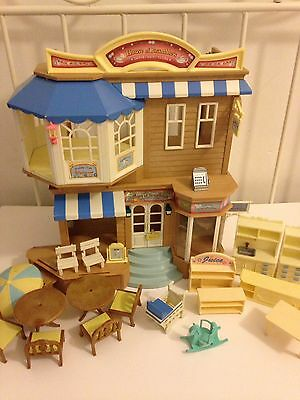 Sylvanian Families House of Bramble's Department Store & Cafe with accessories