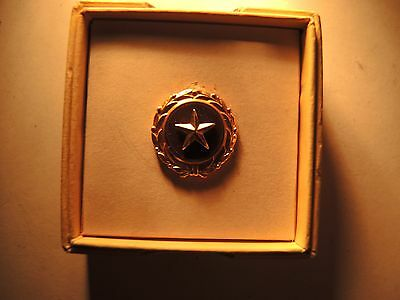Gold Star mothers lapel pin medal & box of issue