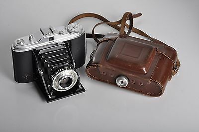 Agfa Isolette I 6x6 folding camera for 120 film, Agfa Agnar 4.5/85mm lens, case