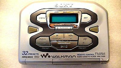VINTAGE SONY WALKMAN PERSONAL CASSETTE PLAYER WM-FX493 with radio