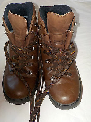 Hiking Walking Boots Brown Leather  By Walk On Size 8.5
