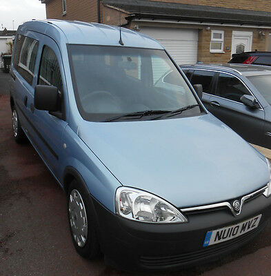 Mobility adapted Vehicle - VAUXHALL COMBO AUTO 1.3 CDi DIESEL 2010  (BURNLEY)