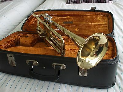 Exellent Condition Bflat Trumpet + Case and mouthpiece