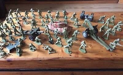 Vintage Pale Green Plastic Soldiers And  Corgi And Dinky Vehicles