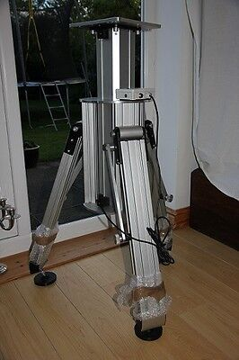 Motorised telescope pier (portable) made by Astrolift / HiTech Astro