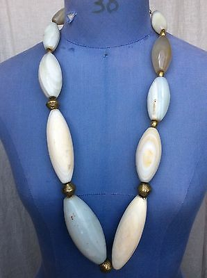 RARE GRAND COLLIER ETHNIQUE AGATES BLANCHES ANCIENNES 630 grammes