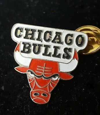 pin's basketball Chicago bulls