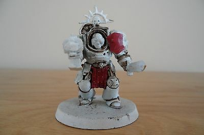 Warhammer 40K - plastic Space Marine Captain in Terminator Armour
