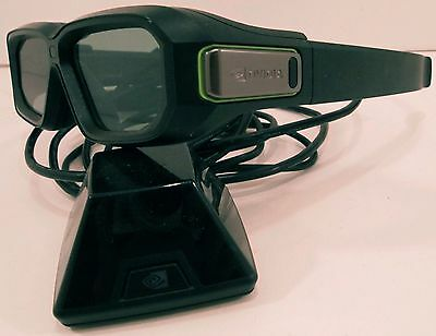 Nvidia 3D Vision2; Wireless Glasses Kit with emitter & cables 942-11431-0007-001