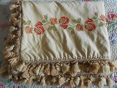 STUNNING VINTAGE PASSEMENTERIE DAMASK TABLE COVER or BEDSPREAD THROW