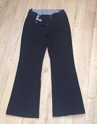 Trousers & Leggings Dorothy Perkins has a wide range of trousers and leggings for the new season to suit every size, shape and occasion. Whether you need trousers for a professional work look, leggings for a day of retail therapy, we have something to suit you.