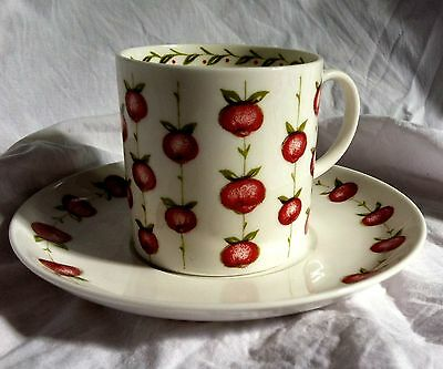 SUSIE COOPER coffee can cup and saucer demitasse apple gay 1960's PERFECT