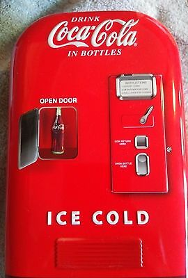 1999 Coca Cola in Bottles COKE VENDING MACHINE Collectible Tin Hinged Box