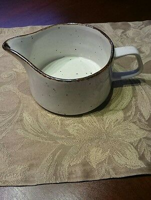 J&G Meakin England Lifestyle Brown Specks And Off White Sauce Creamer Dish