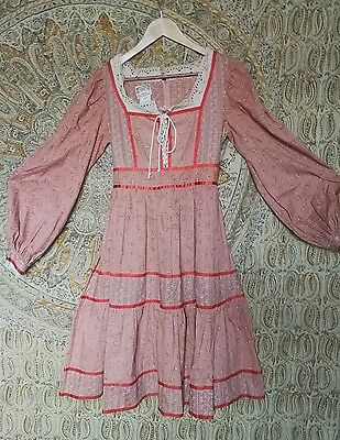 vintage Gunne Sax dress floral pink lace up 1970s 10 12 prairie full skirt