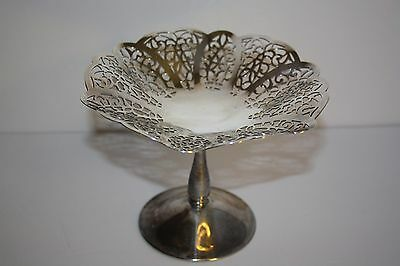 VINTAGE SILVERPLATE CANDY DISH by International Silver Co. LOVELACE PATTERN