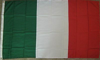 New 3' by 5' Italian Flag. Free Shipping in Canada!
