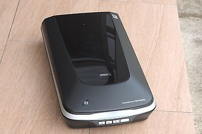 EPSON Perfection V500 Photo Scanner    Good Condition. Pick up 2141