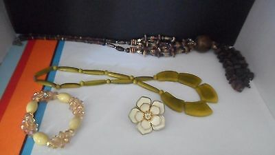 Four Items of Costume Jewellery