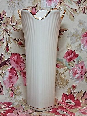 """Lenox MERIDIAN VASE Cream Ribbed Giftware Rich Gold Trim 7 3/8""""  Made in USA"""