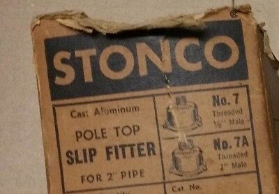 """Stonco 5758 Pole Top Slip Fitter No. 7  / 1/2"""" Threaded Male to 2"""" Pipe w/Screws"""