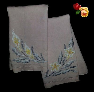 Vintage Embroidered Cross Stitch Pink Guest Hand Towel PAIR Floral Lily Daffodil