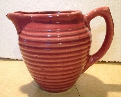 Vintage Hull 907 Mauve ribbed ring pitcher
