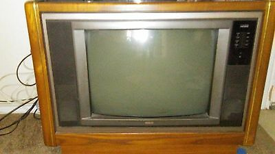 vintage console tv....from the 90s...RCA 25 inch..picture is ok..