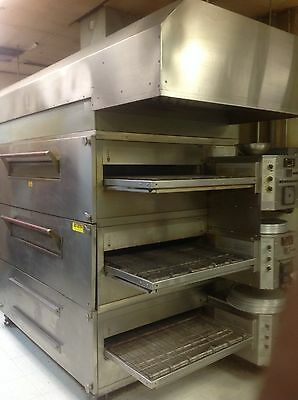 pizza ovens, XLT 3270 2 decks with exhaust hood and captiiveaire system