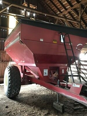 1999 Brent 472 Grain Carts
