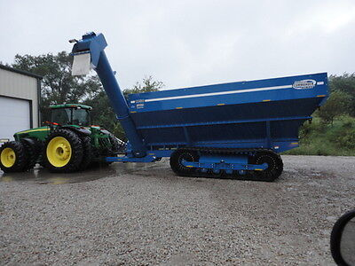 2010 Kinze 1050 Grain Carts