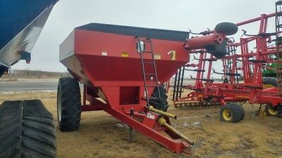 2000 Unverferth 4500 Grain Carts