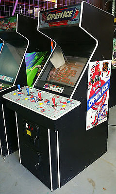 NHL OPEN ICE Kockey 1-4 Players Arcade Video Game! COOL Classic! RARE Video Game