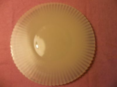 "Vintage White Opalescent Scalloped Edge 10 3/4"" Glass Serving Plate - Ribbed"