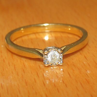 BEAUTIFUL SECONDHAND 9ct YELLOW GOLD  .07ct DIAMOND SOLITAIRE  RING SIZE P1/2