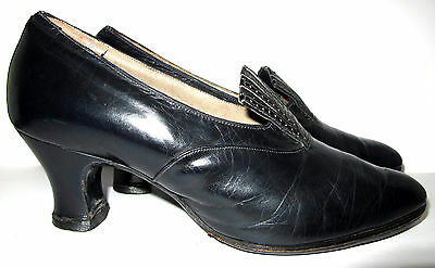 Genuine vintage 1920s/30s ladies navy leather court shoes size 4½  approx