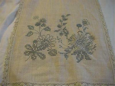 Unworked Vintage Printed for Embroidery Runner Oatmeal Color Great Crochet Trim
