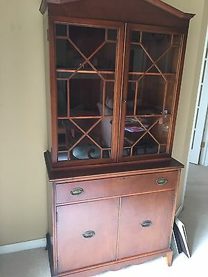 Robert W. Irwin Co, Grand Rapids Michigan Breakfront China Cabinet