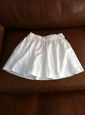 burberry white skirt(light pattern) , young girl, size 8Y, please see pictures