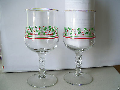 Arby's Holly & Berries Stemmed Goblets 1980s Set Of 2  12 oz Christmas Glass