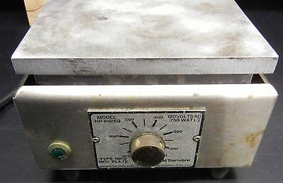 Thermolyne Sybron Type 1900 Hot Plate Model HP-A1915B 120 Volts AC 750 Watts