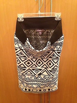 A Pea In the Pod Black On White Tribal Pattern Maternity Pencil Skirt Sz. M