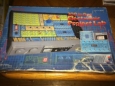 Vintage 1980's Radio Shack Science Fair 200 In One Electronic Project Lab 28-265