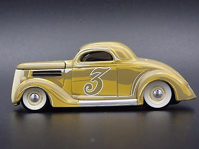1936 Ford Coupe Rare 1:64 Collectible Diorama Diecast Model Car