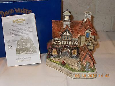 David Winter - Punch Stables - Collectors Guild No. 20 with Box & COA
