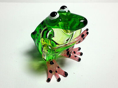 COLLECTIBLE MINIATURE HAND BLOWN Art GLASS Frog Green FIGURINE
